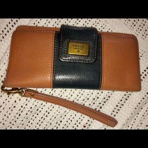 Fossil ladies wristlet wallet